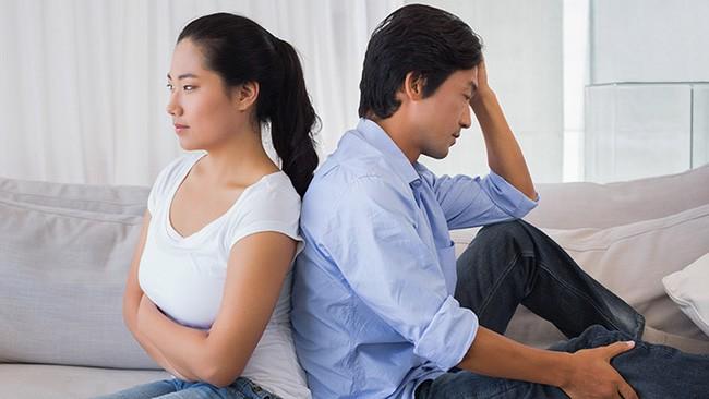 Trước ngày vợ chồng tôi ra tòa ly hôn, mẹ chồng đột ngột đưa ra vài món đồ khiến chồng tôi trợn tròn mắt vì không thể tin nổi - Ảnh 1