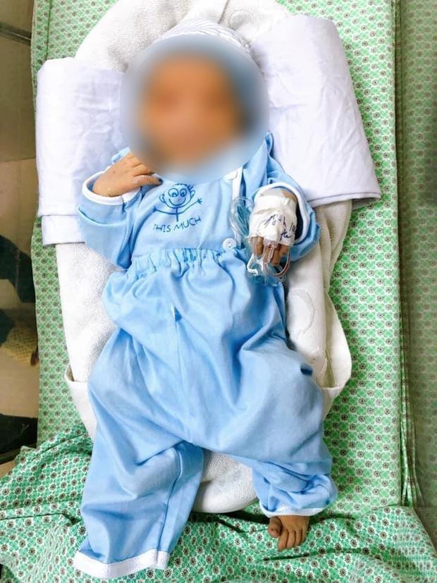 Vụ cháu bé bị bỏ rơi dưới hố gas tử vong sau 20 ngày điều trị: Người mẹ có thể bị xử lý ra sao? - Ảnh 1