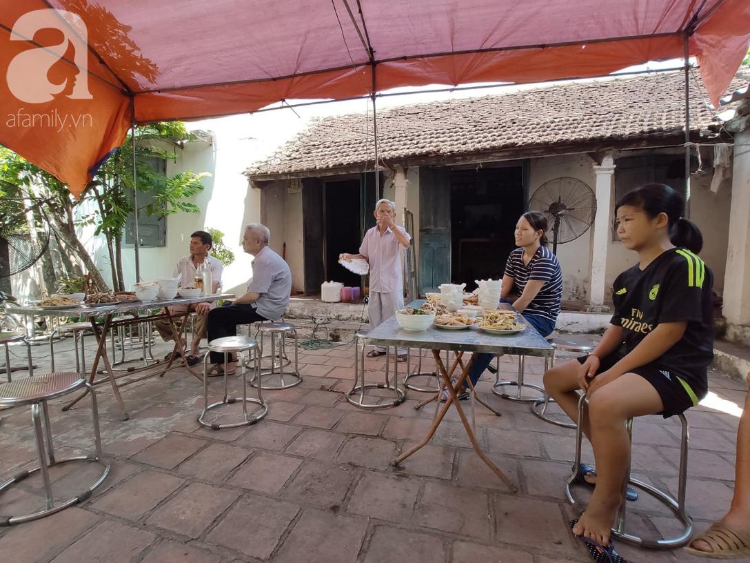 Đám tang đẫm nước mắt của mẹ ca sĩ Châu Việt Cường: Nó đi nhặt ve chai dành dụm tiền thăm thằng Cường - Ảnh 14