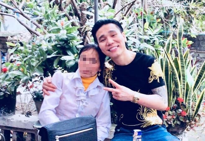 Hình ảnh khắc khổ của mẹ ca sĩ Châu Việt Cường trước khi bị tàu hỏa đâm tử vong gây xót xa - Ảnh 6
