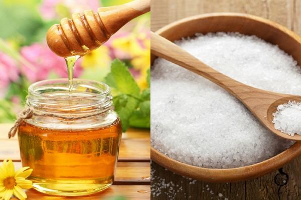 Công thức trị mụn bằng mật ong và muối biển còn giúp tẩy da chết, làm sạch da hiệu quả