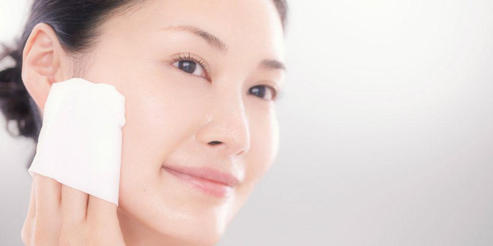 Dù lười vẫn phải thực hiện 3 bước chăm sóc này mỗi ngày để se khít lỗ chân lông giúp làn da căng mịn sau 1 tuần - Ảnh 1