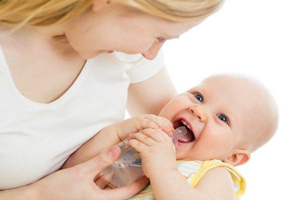 7 điều không nên làm khi trẻ bị sốt và cách xử lý nhanh - Ảnh 3