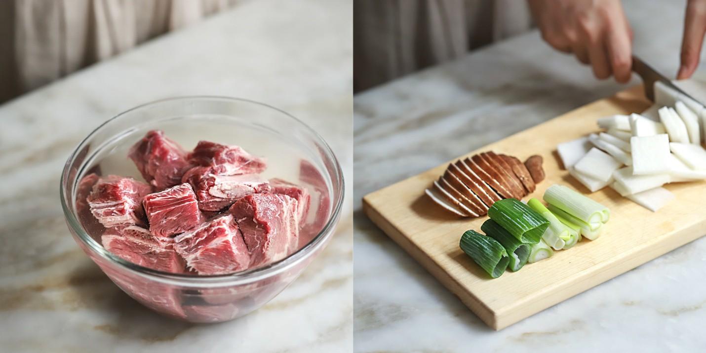 Học người Hàn cách nấu canh sườn ngọt thơm lạ miệng, ăn là thích ngay - Ảnh 2