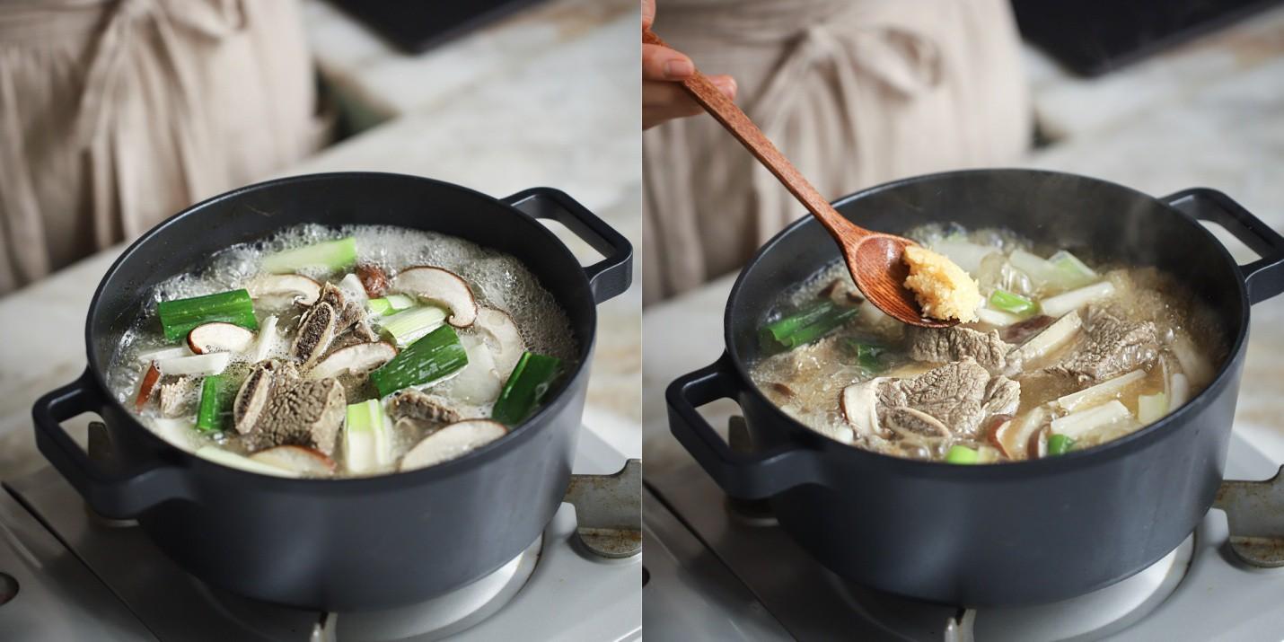 Học người Hàn cách nấu canh sườn ngọt thơm lạ miệng, ăn là thích ngay - Ảnh 4