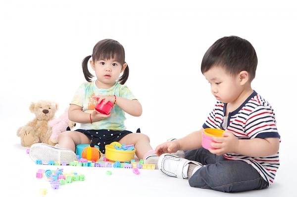 Nghi ngờ trẻ bị tay chân miệng cha mẹ hãy làm ngay điều này để cứu con thoát khỏi dịch bệnh - Ảnh 2