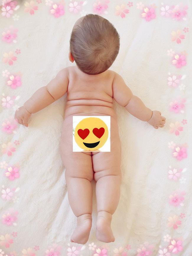 Mẹ trẻ khoe cô con gái cực dễ thương nhưng các mẹ lại say mê đếm số ngấn của bé - Ảnh 3