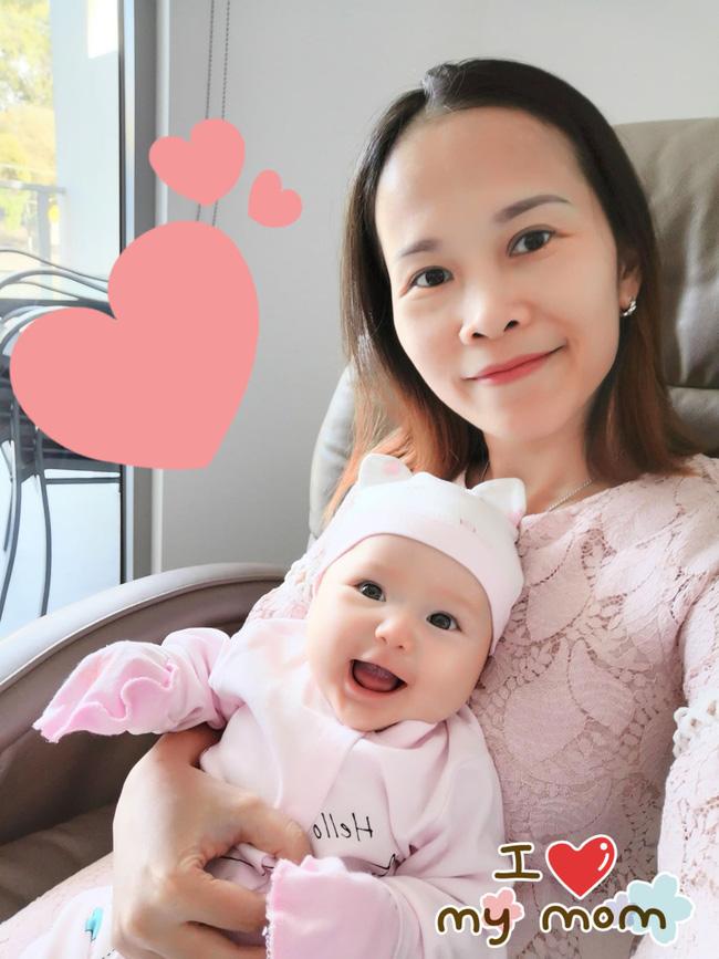 Mẹ trẻ khoe cô con gái cực dễ thương nhưng các mẹ lại say mê đếm số ngấn của bé - Ảnh 5