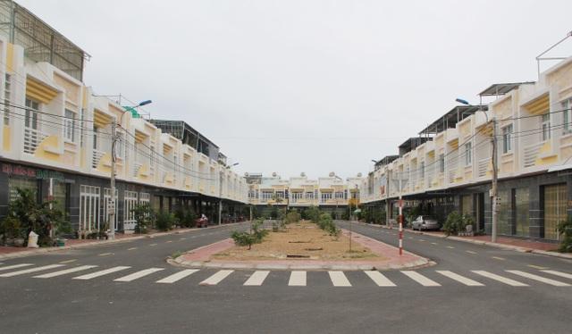 Phú Yên cảnh báo nhiều dự án bất động sản chưa đủ cơ sở pháp lý vẫn rao bán - Ảnh 1