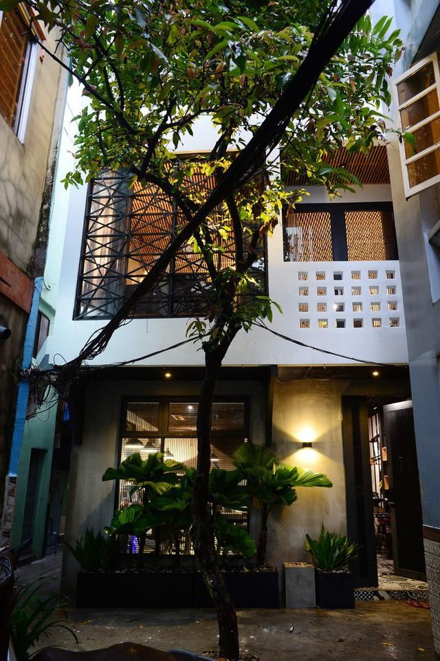 Mẫu nhà phố 2 tầng phong cách Bắc Âu đẹp lung linh đầy cá tính - Ảnh 1