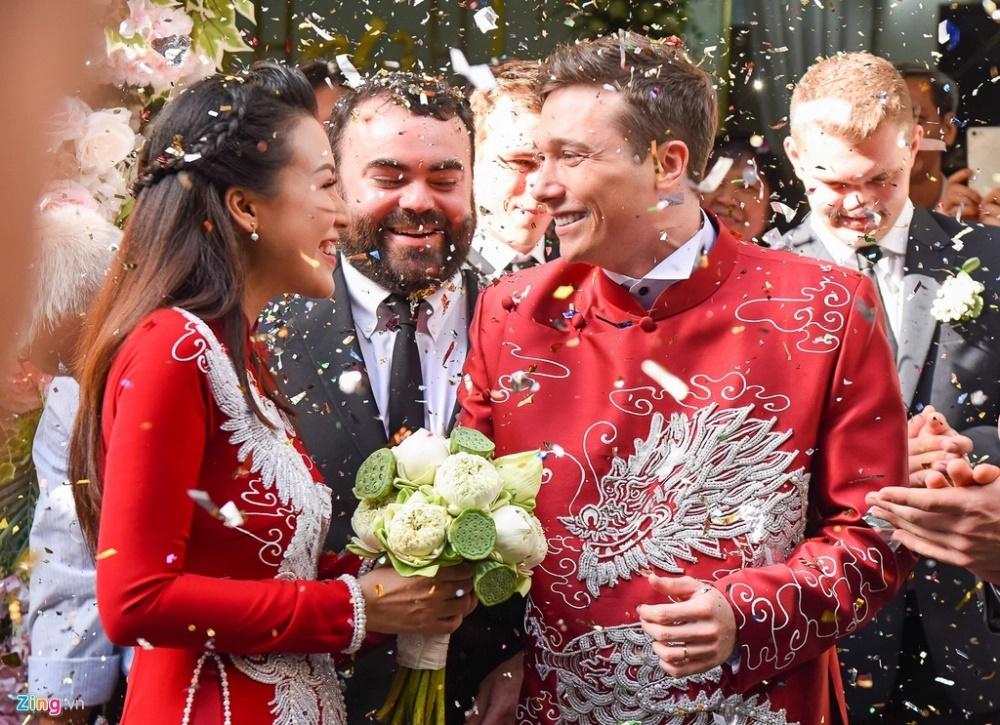 """Bằng chứng Hoàng Oanh và chồng Tây """"cưới chạy bầu"""" - Ảnh 2"""