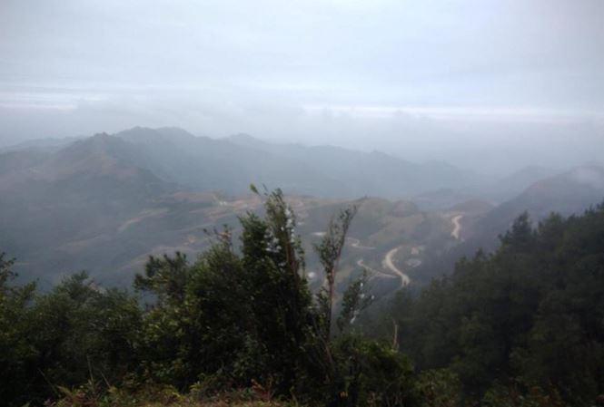 Băng tuyết đã tan trên đỉnh Mẫu Sơn sau kỳ nghỉ lễ - Ảnh 1