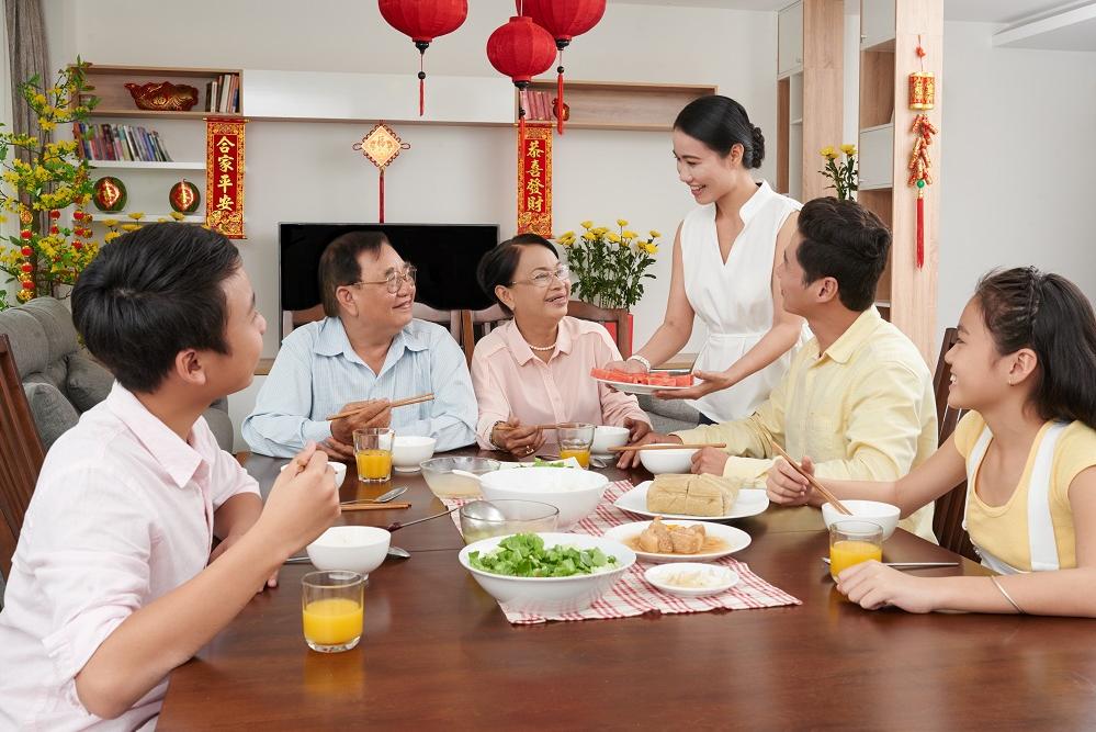 Chăm sóc sức khỏe đúng cách giúp vui xuân trọn vẹn - Ảnh 1