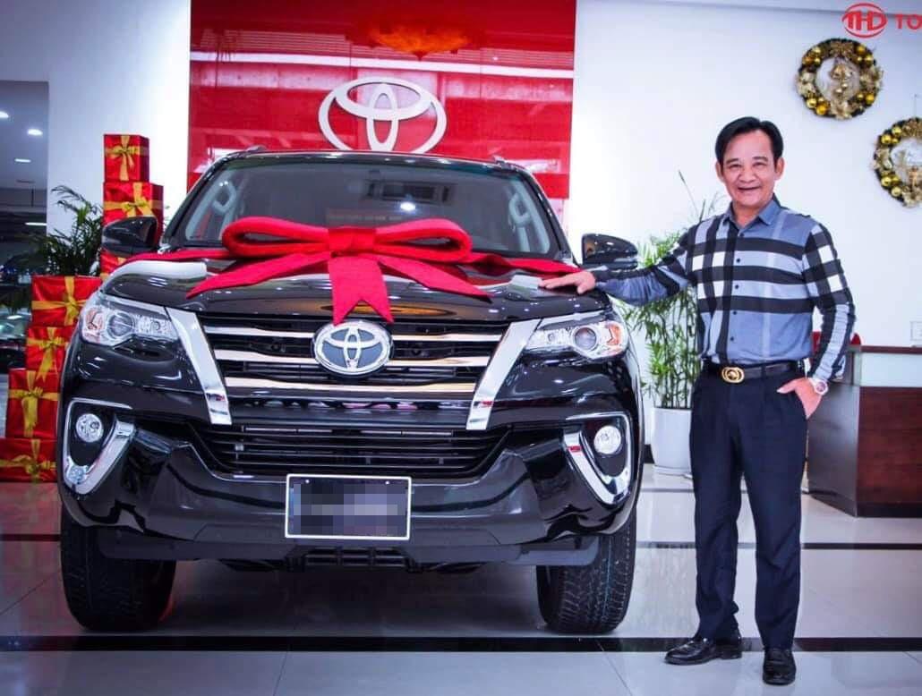 Đại gia chân đất Quang Tèo một năm đổi 2 xe ô tô tiền tỷ để chơi Tết - Ảnh 2