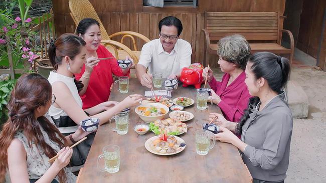 'Gạo nếp gạo tẻ': Chuyện thật như... phim, Tường tiếp tục để lại 'quà độc' cho Hương nhưng lại bị gia đình từ chối - Ảnh 3