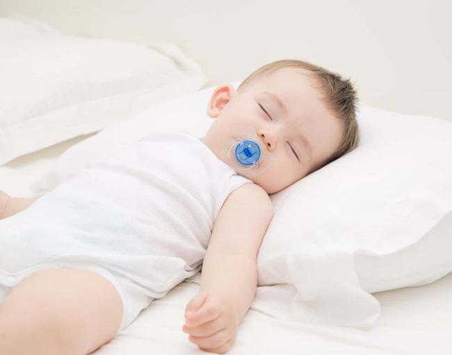 Muốn luyện trẻ sơ sinh ngủ ngoan, mẹ không được bỏ qua lời khuyên hữu ích từ chuyên gia hàng đầu - Ảnh 3