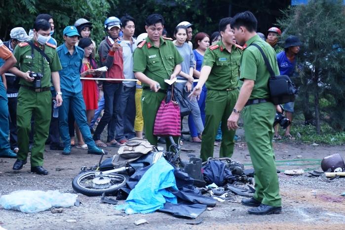 Ám ảnh lời kể nhân chứng vụ container tông 18 xe máy dừng đèn đỏ khiến 4 người tử vong, hơn 20 người bị thương - Ảnh 8
