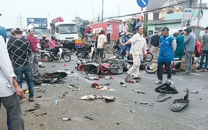 Danh tính tài xế container gây tai nạn khiến hàng chục người thương vong ở Long An - Ảnh 1