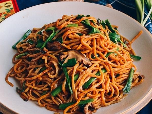 Mì trường thọ - Món ăn ý nghĩa đầu năm mới chuẩn vị Trung Hoa - Ảnh 1