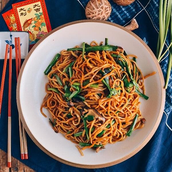Mì trường thọ - Món ăn ý nghĩa đầu năm mới chuẩn vị Trung Hoa - Ảnh 2