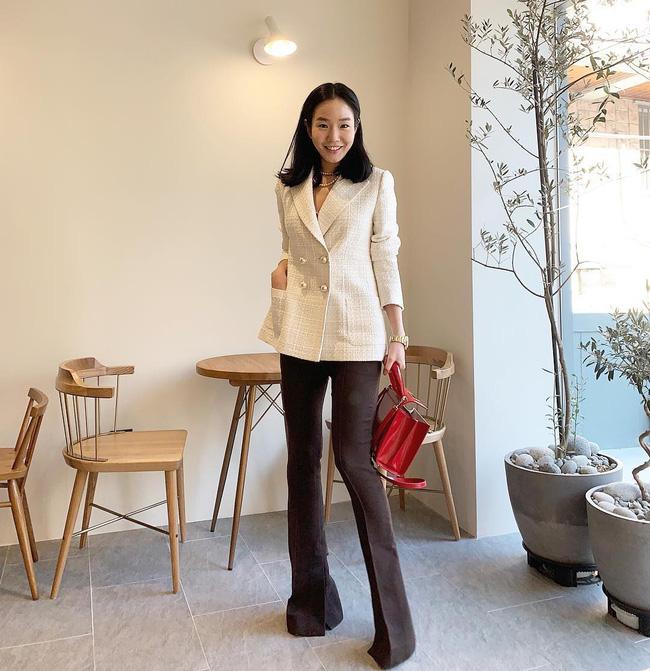 Dù bận rộn chuẩn bị Tết, nhưng street style của các quý cô Châu Á vẫn thời thượng và đẹp hết nấc - Ảnh 15