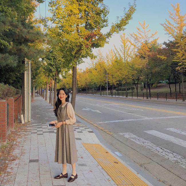 Dù bận rộn chuẩn bị Tết, nhưng street style của các quý cô Châu Á vẫn thời thượng và đẹp hết nấc - Ảnh 2