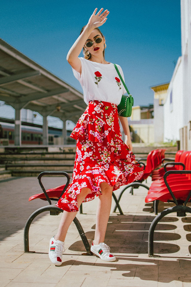 Gợi ý mặc đẹp với sắc đỏ cho mùa Tết Kỷ Hợi 2019 - Ảnh 2