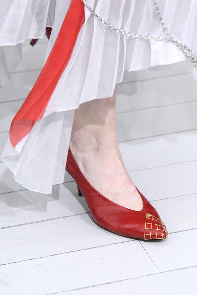 Gợi ý mặc đẹp với sắc đỏ cho mùa Tết Kỷ Hợi 2019 - Ảnh 9