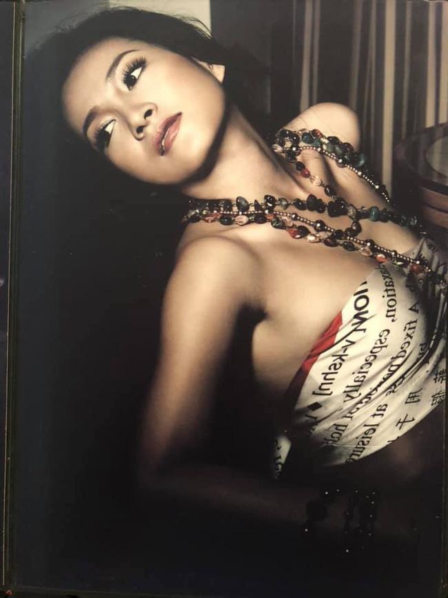 Bà xã Bình Minh khoe ảnh năm 28 tuổi, fan trầm trồ hiểu vì sao chồng mê như 'điếu đổ' - Ảnh 2