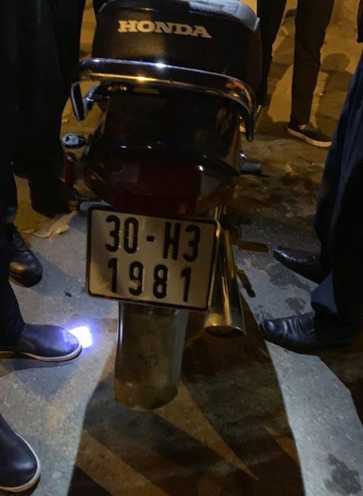 Hà Nội: Bị tuýt còi kiểm tra, đối tượng nghiện ngập tăng ga bỏ chạy không thành - Ảnh 2