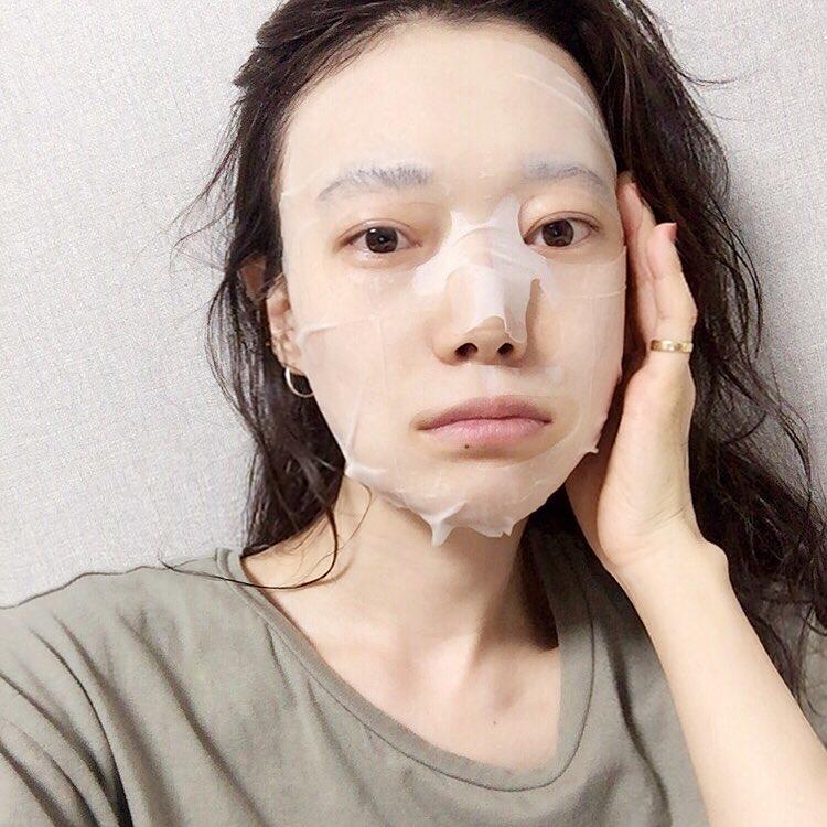 Gần 8/3 mà da mặt vẫn đầy mụn và sạm đen, thực hiện theo 3 bí quyết này, đảm bảo nhan sắc sẽ 'lên hương' ngay - Ảnh 3