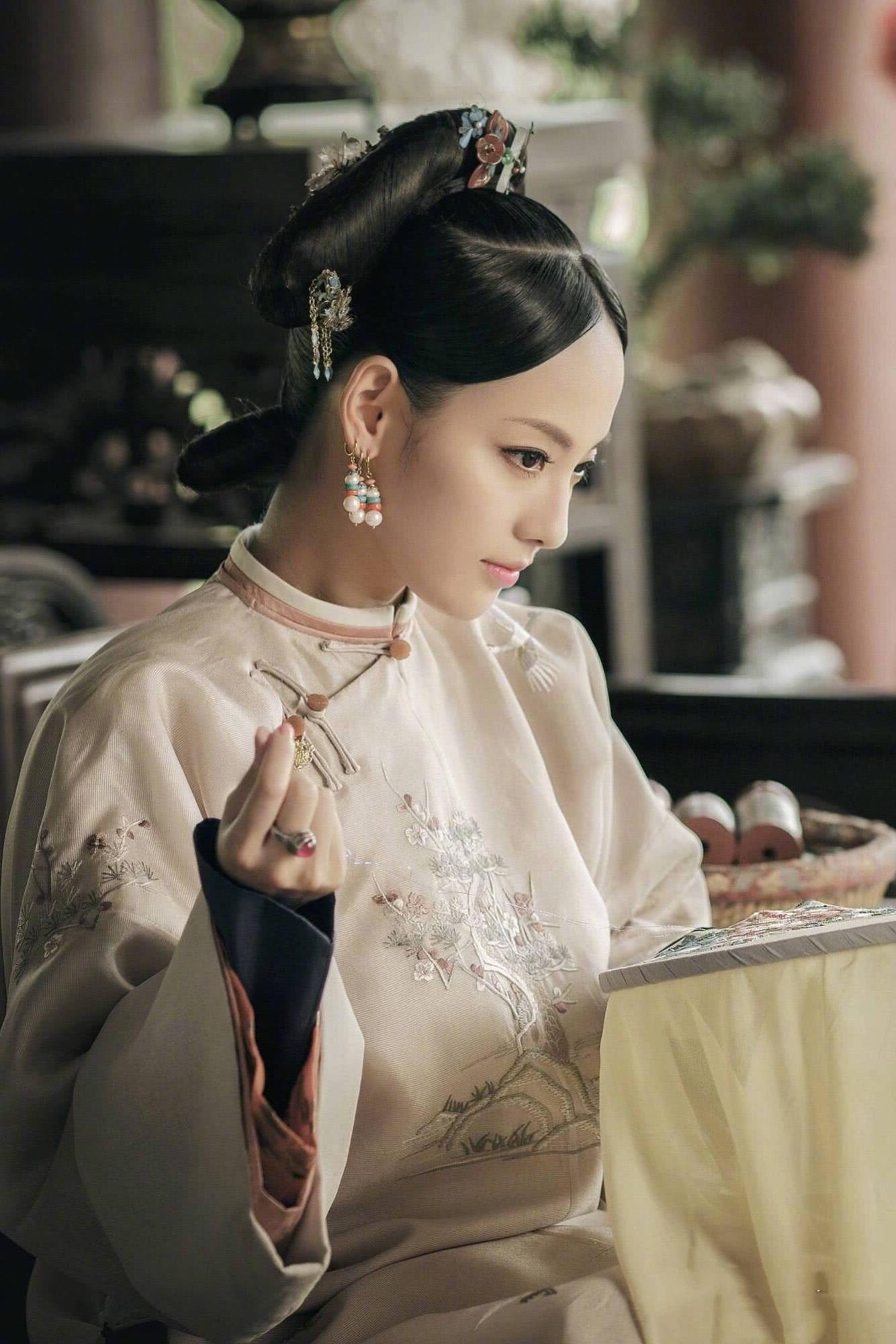 """Netizen xứ Trung choáng với nhan sắc đời thực của mỹ nhân """"Diên Hi Công Lược"""" - Trương Gia Nghê - Ảnh 1"""