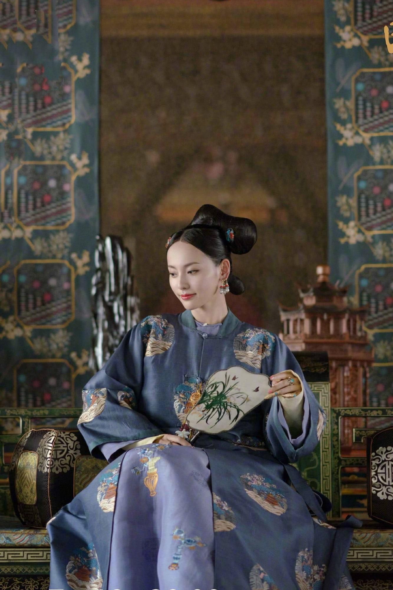 """Netizen xứ Trung choáng với nhan sắc đời thực của mỹ nhân """"Diên Hi Công Lược"""" - Trương Gia Nghê - Ảnh 2"""