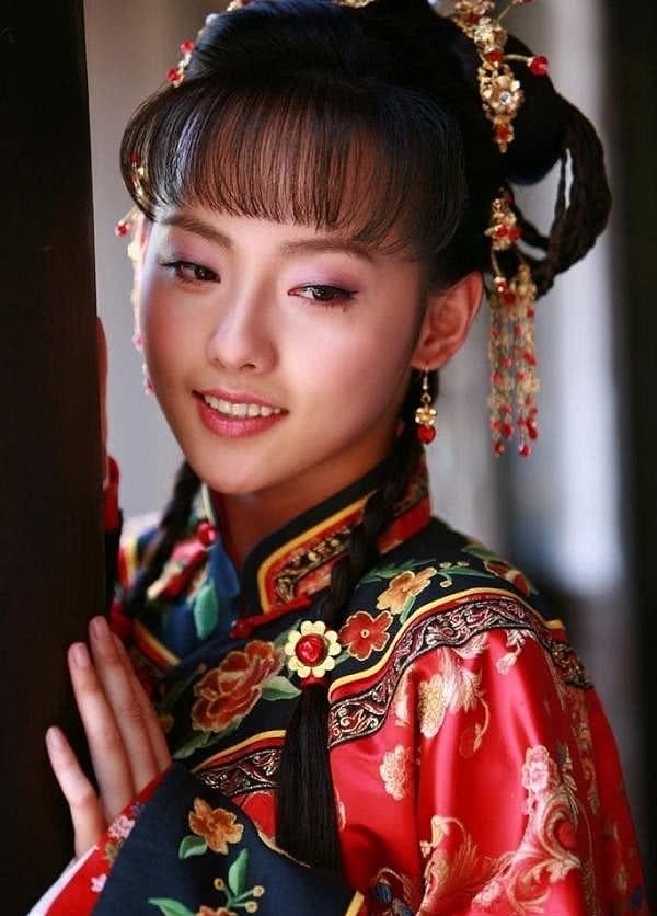 """Netizen xứ Trung choáng với nhan sắc đời thực của mỹ nhân """"Diên Hi Công Lược"""" - Trương Gia Nghê - Ảnh 13"""