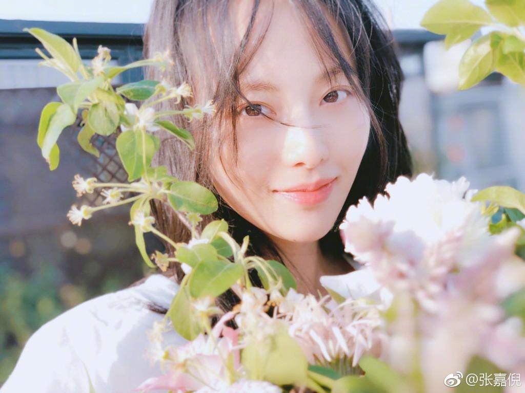 """Netizen xứ Trung choáng với nhan sắc đời thực của mỹ nhân """"Diên Hi Công Lược"""" - Trương Gia Nghê - Ảnh 7"""