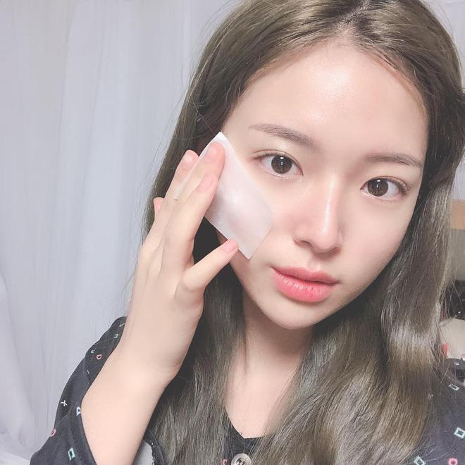 Nếu bạn cũng chăm sóc da như người ta mà không thấy da đẹp lên, hãy xem xét thay thế 3 sản phẩm này - Ảnh 2