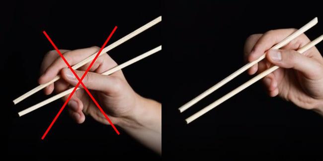 Vào nhà hàng mà mắc những sai lầm này khi ăn sushi thì thật kém sang! - Ảnh 1