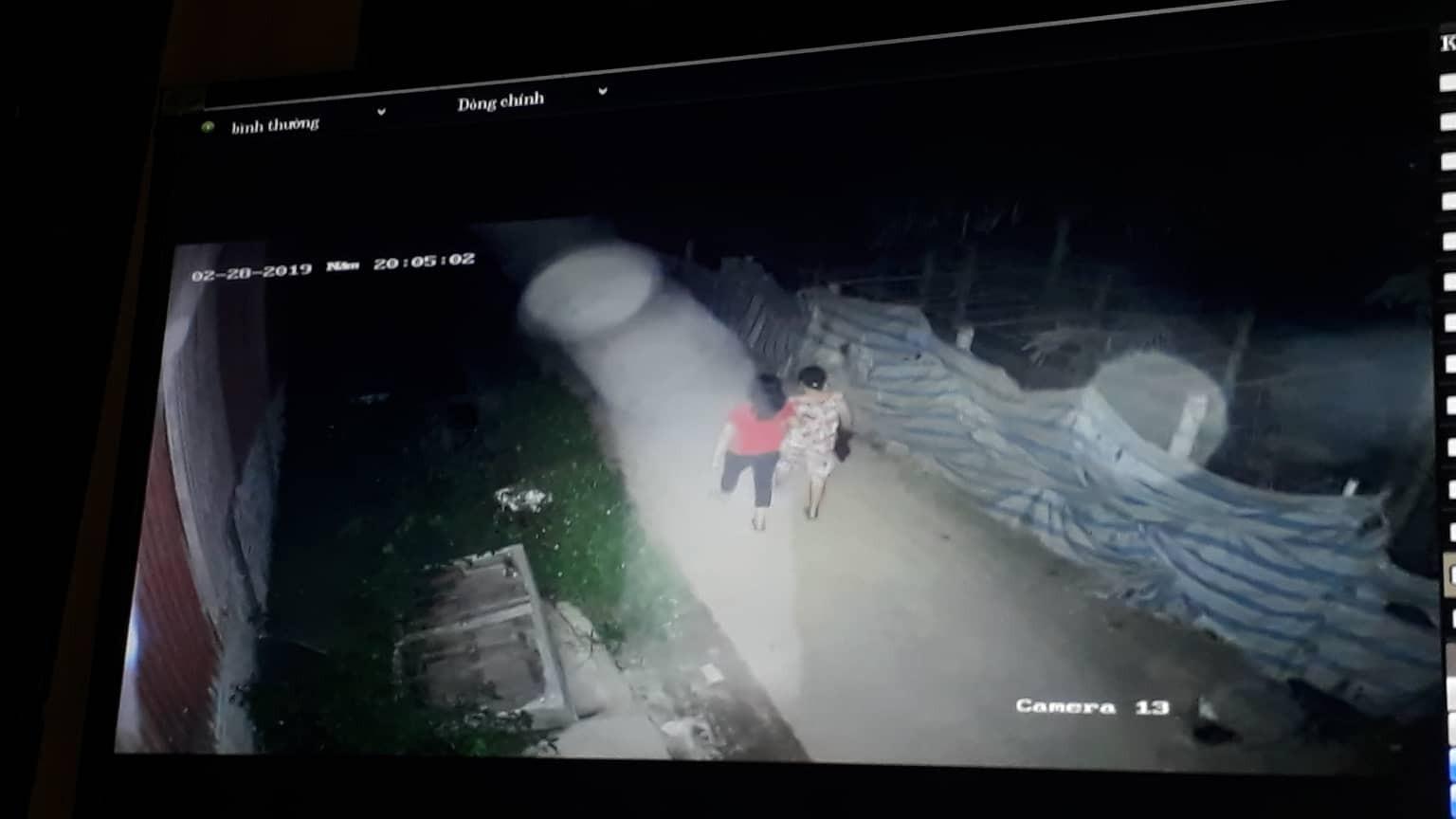 Vụ người phụ nữ đi tập thể dục bị giết, nhân chứng uống nước lạ tử vong: Trích xuất camera khoảnh khắc trước khi xảy ra sự việc - Ảnh 1
