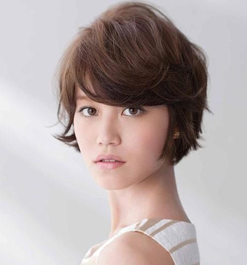 Muốn trẻ trung, tươi tắn hơn tuổi, phụ nữ U40 chỉ cần cắt 3 kiểu tóc uốn thời thượng này - Ảnh 13
