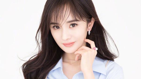 Dương Mịch, Lưu Diệc Phi và Cảnh Điềm: Nữ diễn viên nào xuất hiện nhiều nhất trong giải thưởng Cây chổi vàng? - Ảnh 2