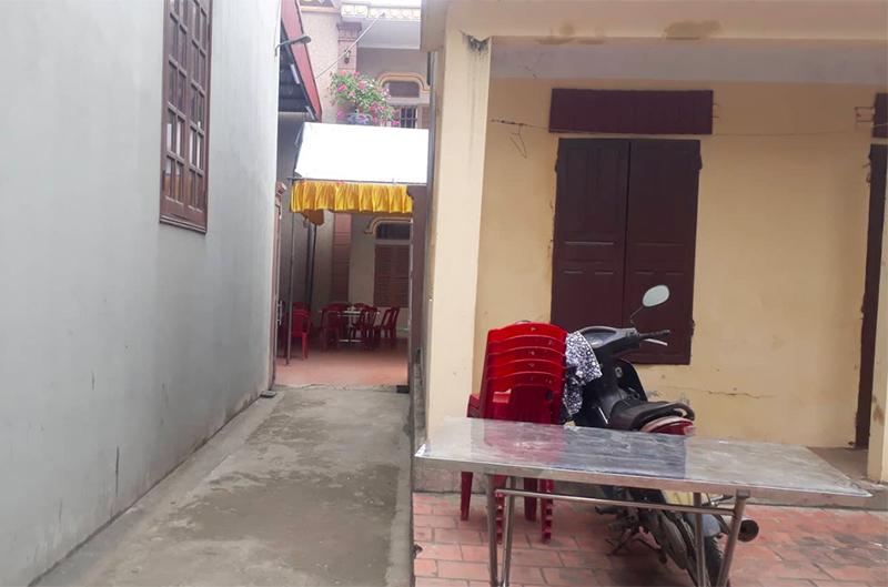 Vụ cô gái bị đâm nhiều nhát tử vong ở Ninh Bình: Con gọi về cầu cứu tôi khi bạn trai cũ chốt cửa xe, không cho nó xuống - Ảnh 2