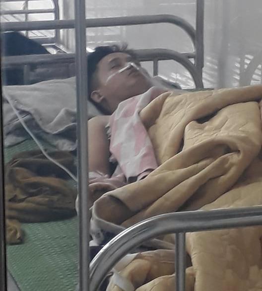 Vụ cô gái bị đâm nhiều nhát tử vong ở Ninh Bình: Con gọi về cầu cứu tôi khi bạn trai cũ chốt cửa xe, không cho nó xuống - Ảnh 4