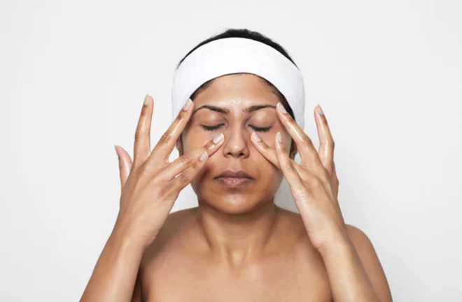 Phương pháp mát-xa thần thánh giúp da căng bóng mịn màng và ngăn ngừa lão hóa - Ảnh 4