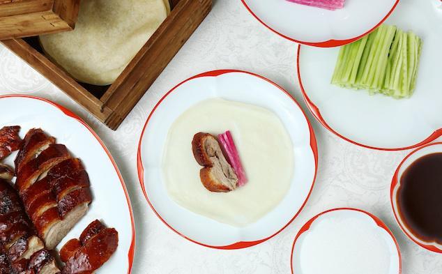 Cách ăn vịt quay Bắc Kinh chuẩn phong cách hoàng gia - Ảnh 7