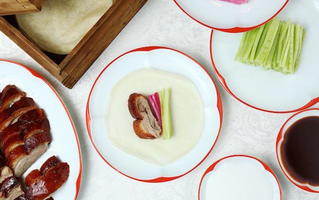 Cách ăn vịt quay Bắc Kinh chuẩn phong cách hoàng gia - Ảnh 8