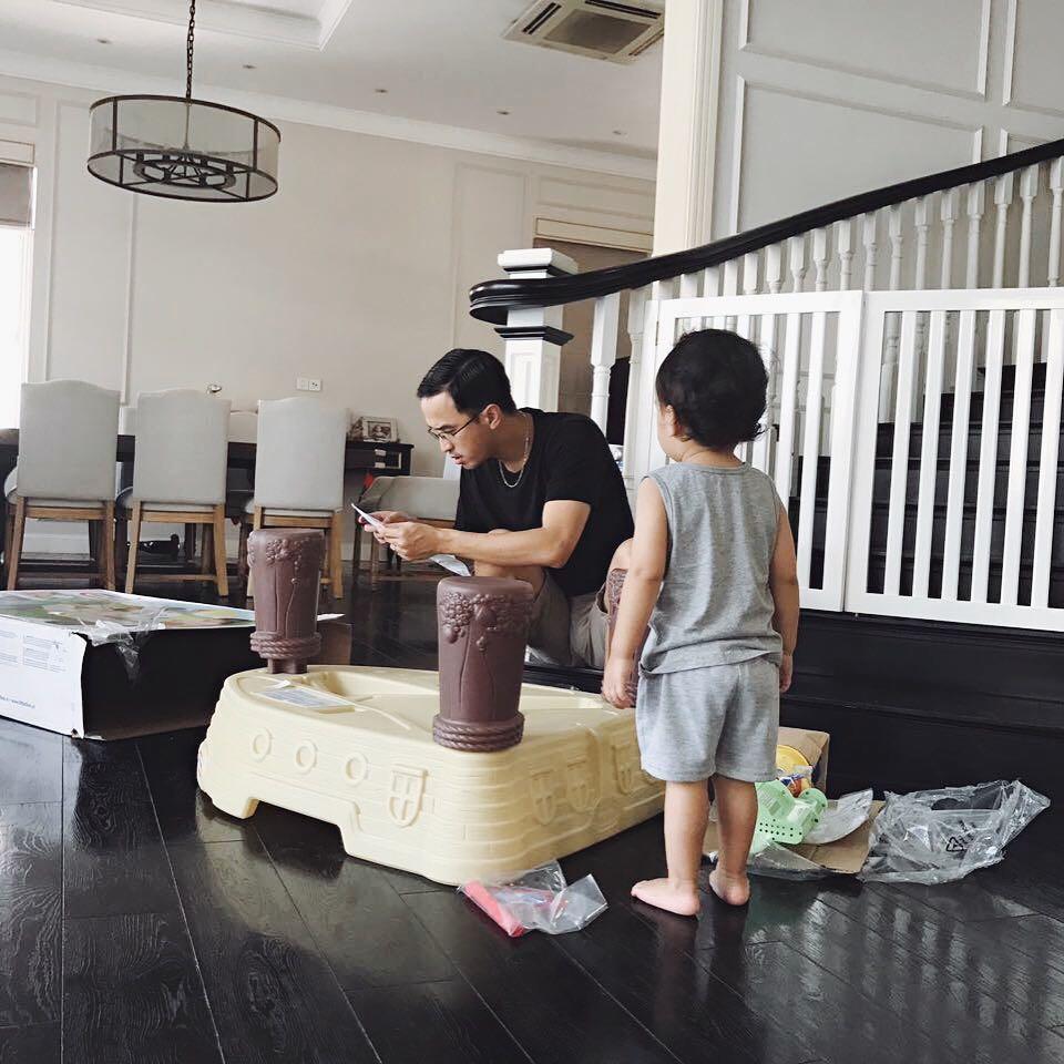 Con trai quyết 'cướp' mẹ Tăng Thanh Hà từ tay bố với lý do không thể ngờ, Louis Nguyễn chỉ biết 'câm nín' - Ảnh 1