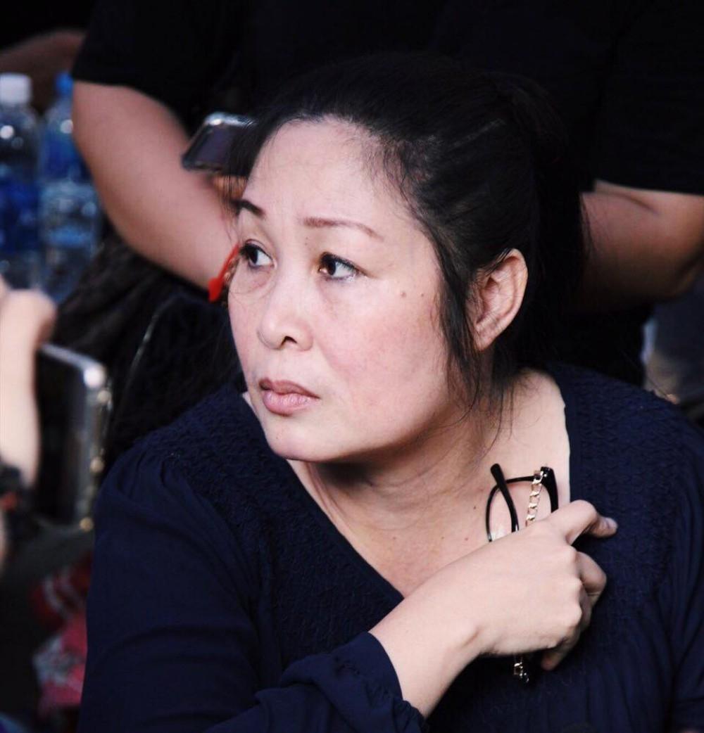 Xúc động trước lý do NSND Hồng Vân không đến viếng nghệ sĩ Lê Bình trong ngày tang lễ cuối cùng - Ảnh 2