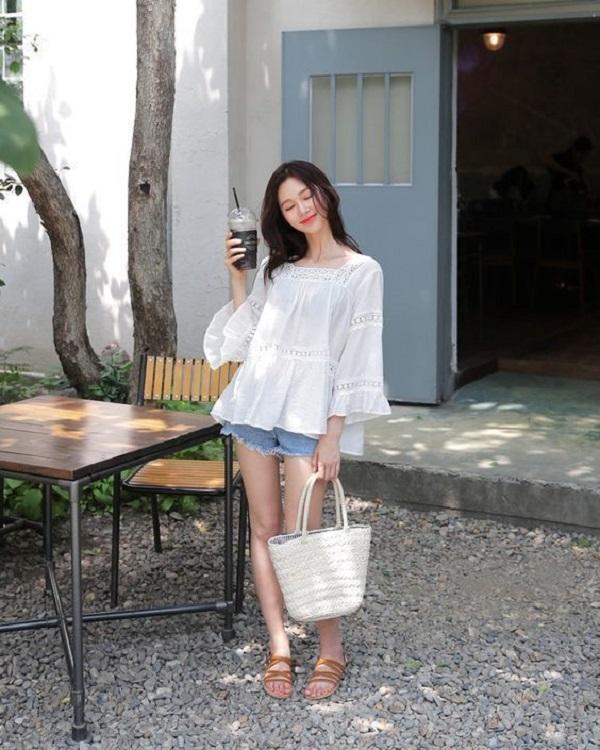 4 cách lên đồ đẹp cùng quần short jeans cho ngày hè năng động  - Ảnh 8