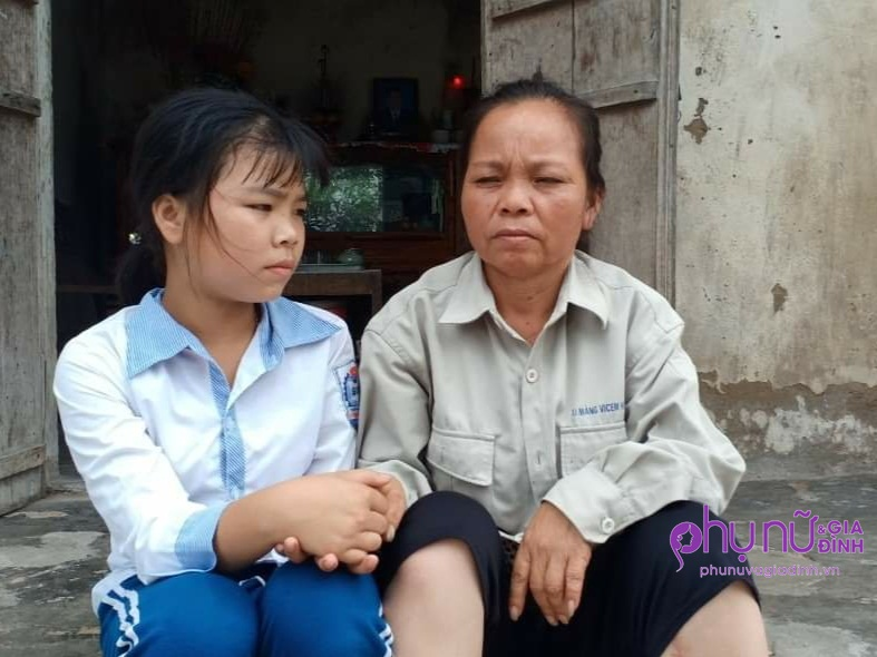 """Nghẹn lòng số phận bất hạnh của nữ sinh không cha, chăm mẹ tật nguyền sau tai nạn: """"Em sợ mẹ phải cưa chân"""" - Ảnh 7"""
