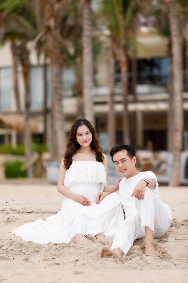 Sara Lưu khoe cận cảnh bụng bầu mang song thai, tiết lộ lý do giữ kín tin vui suốt 4 tháng - Ảnh 5